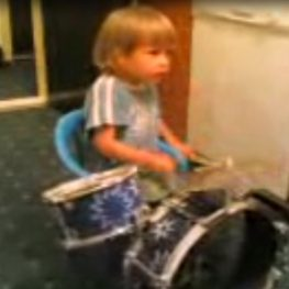 Amazing drummer Djuradj 1 year old